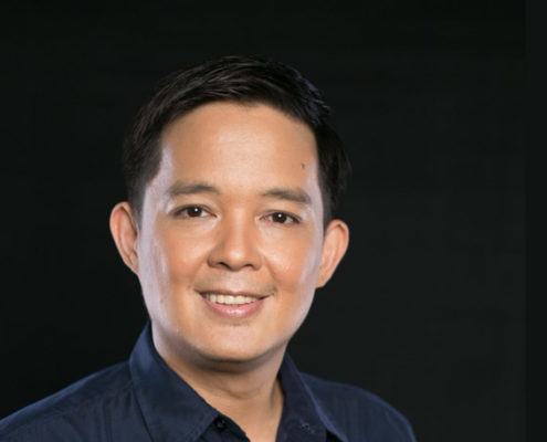 """Diego along with various stakeholders in society—medical professionals, patient support groups and the government as well—are all coming together to bring the message across to Filipinos that lung cancer is no longer a death sentence through the """"Hope From Within: Test, Talk, Take Action"""" lung cancer advocacy campaign"""