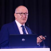Dr. Kenneth O'Byrne, Professor of Medical Oncology and Queensland Senior Clinical Research Fellow, presented the results of the Keynote-021 study combining immunotherapy and chemotherapy which showed high response rates that will greatly benefit patients with advanced non-small cell lung cancer